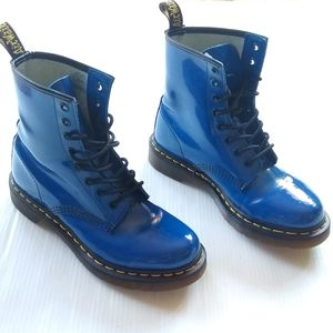 DR MARTENS • 1460 blue patent Leather boots